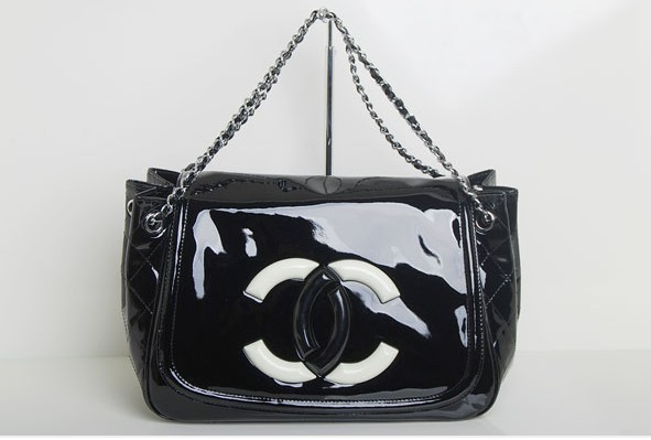 Replica Chanel Cruise Lipstick Patent Tote bag A47925 Black On Sale
