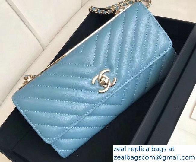 a0700afa92ce Chanel Chevron Trendy CC Wallet On Chain Flap Bag Denim Blue 2018 ...
