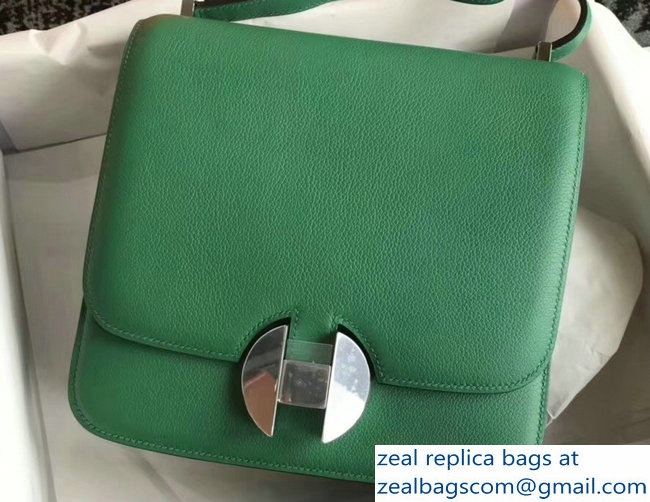 Hermes 2002 - 26 Bag Bamboo Green In Evercolor Calfskin With Adjustable Strap