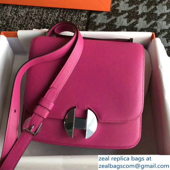Hermes 2002 - 26 Bag Fuchsia In Evercolor Calfskin With Adjustable Strap