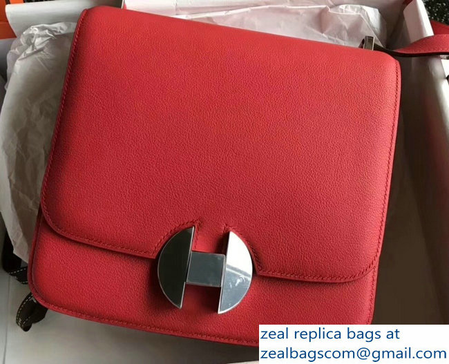 Hermes 2002 - 26 Bag Red In Evercolor Calfskin With Adjustable Strap