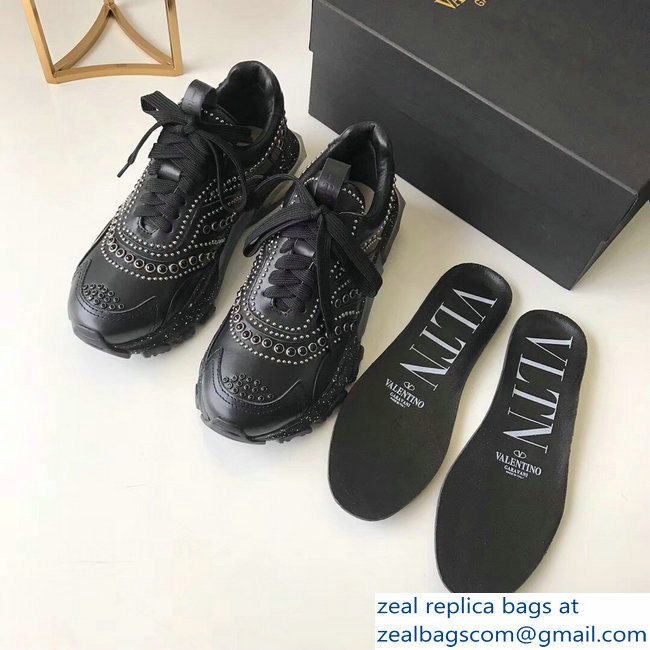 Valentino Bounce Low-top Sneakers Studs Black 2019