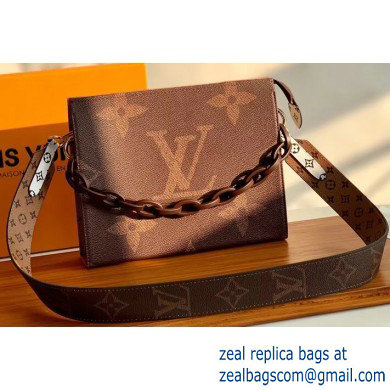 Louis Vuitton Monogram Giant Canvas Toiletry Pouch 26 Bag with Chain and Strap Brown 2020